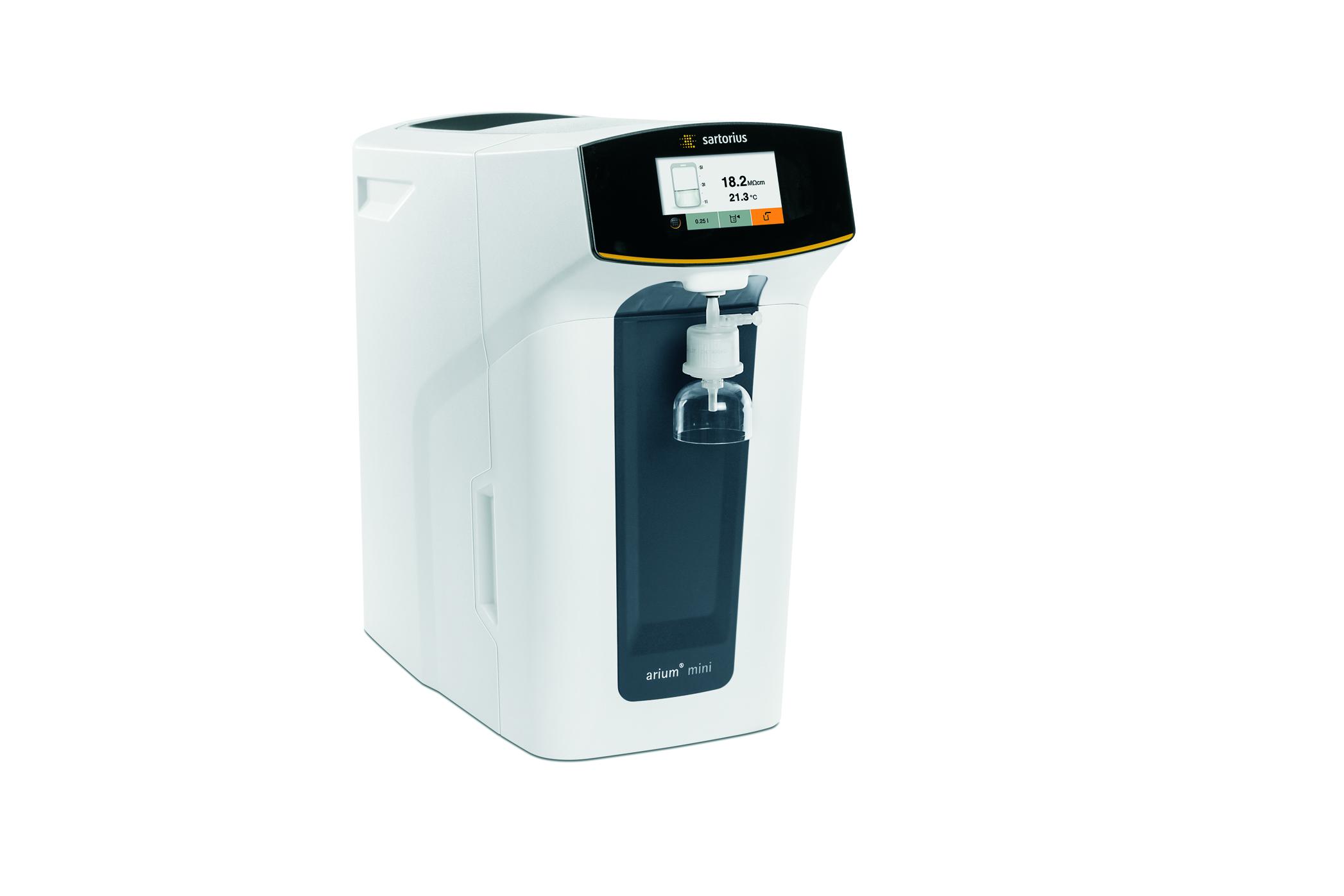 arium mini essential featuring DI water taps