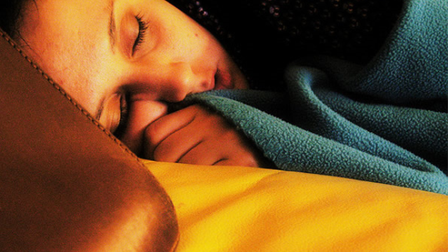 How the brain consolidates memory during deep sleep