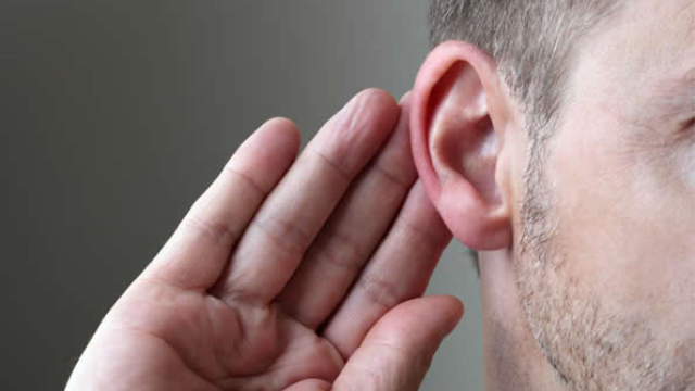 Researchers identify part of the brain that compensates for hearing loss in older adults