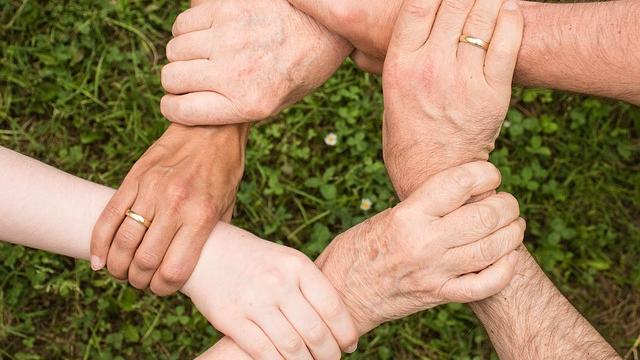 Community-acquired MRSA Reveals Evolutionary Drivers