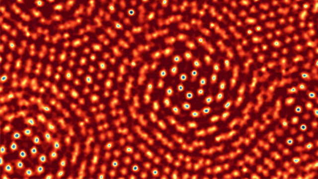 Electron Microscope Detector Achieves Record Resolution