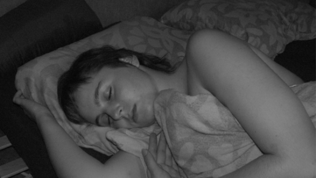 Losing half a night of sleep makes memories less accessible in stressful situations