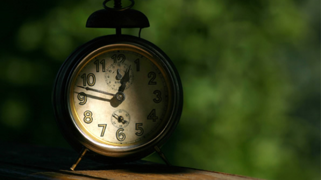The transition from daylight saving time to standard time leads to depressions