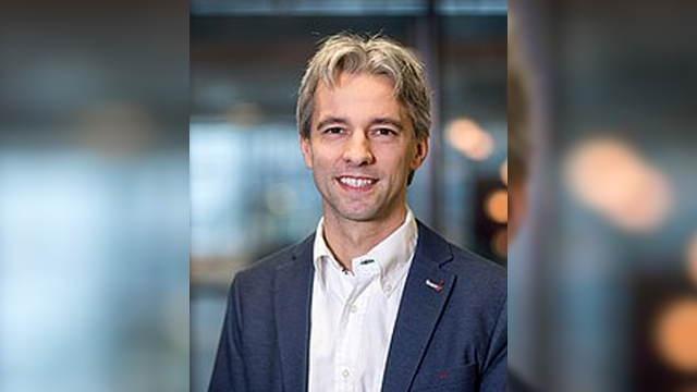 Timothy Noël Gets DECHEMA Prize 2017 for Work on Continuous Photochemical Conversion